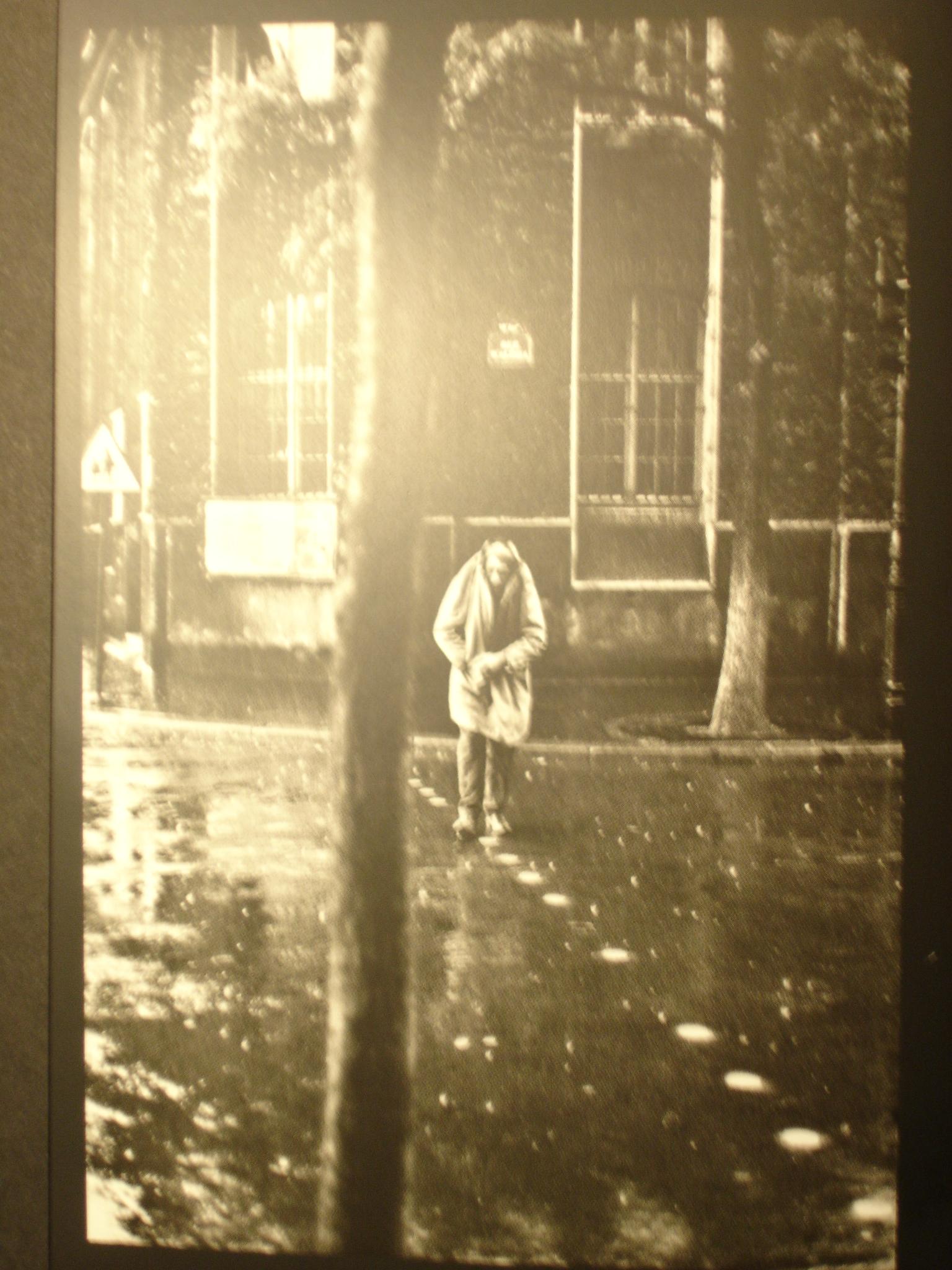 Alberto Giacometti, cruzando una calle de Paris